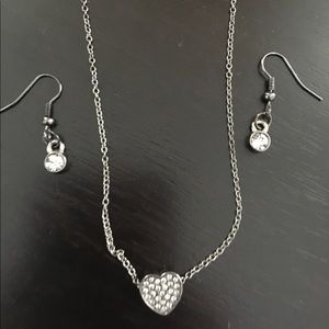 BNWOT Heart necklace and earrings set